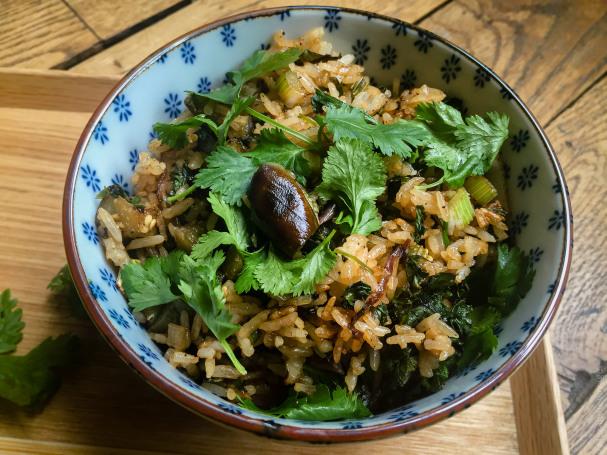recettes de chou kale par lutsubo un riz saut au kale et l aubergine riz saut au kale et. Black Bedroom Furniture Sets. Home Design Ideas