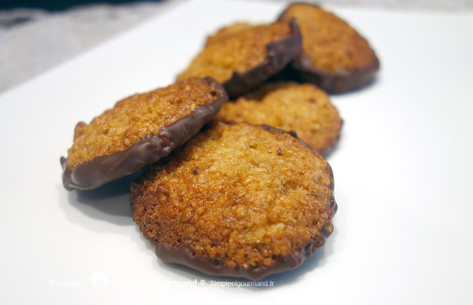 recettes d 39 avoine par simple gourmand biscuits su dois avoine chocolat porridge aux fruits. Black Bedroom Furniture Sets. Home Design Ideas