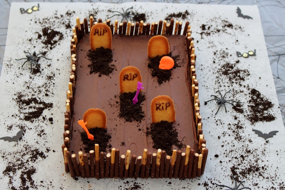 G teau cimeti re pour halloween par amandine cooking for Idee deco gateau halloween