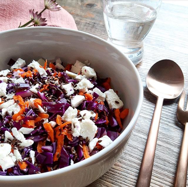 salade de chou rouge carottes feta et huile de noisettes gratinez par gratinez. Black Bedroom Furniture Sets. Home Design Ideas