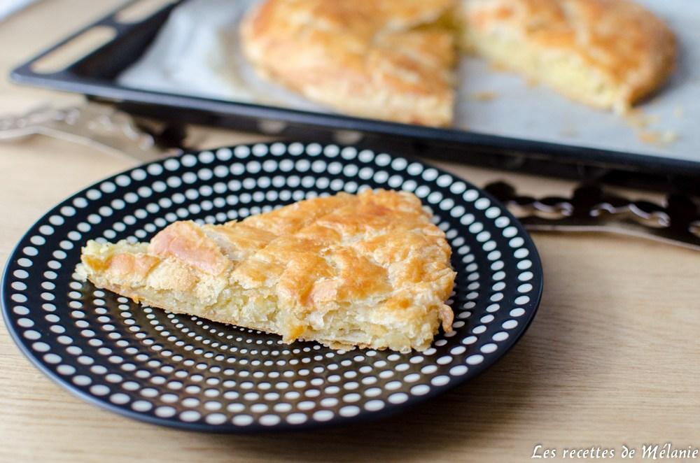 Recettes d 39 amandes par les recettes de m lanie galette des rois traditionnelle tarte l - Recette tarte normande traditionnelle ...