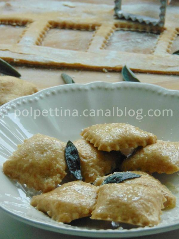 recettes de plat par l 39 italie dans ma cuisine raviolis la farine de farro farce citrouille. Black Bedroom Furniture Sets. Home Design Ideas