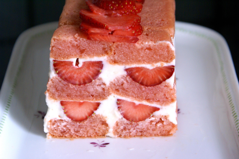 charlotte aux fraises recette de charlotte aux fraises et cr me au mascarpone par chef simon. Black Bedroom Furniture Sets. Home Design Ideas