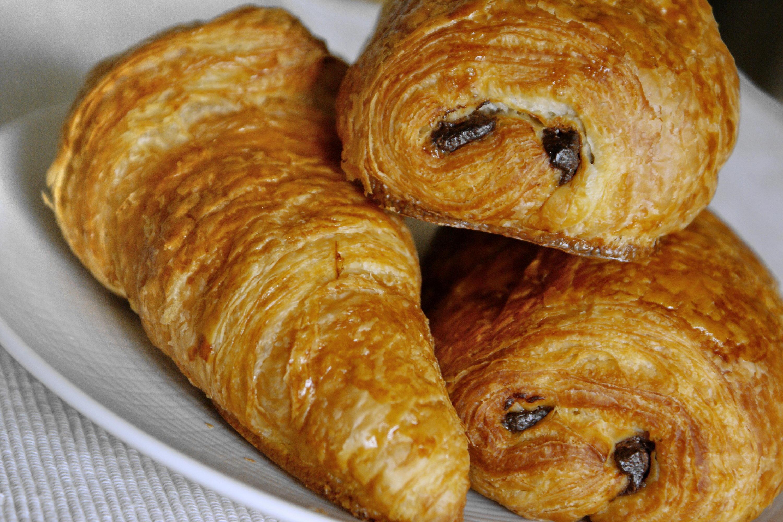 Recette de croissants et de pains au chocolat - Recette croissant au beurre ...