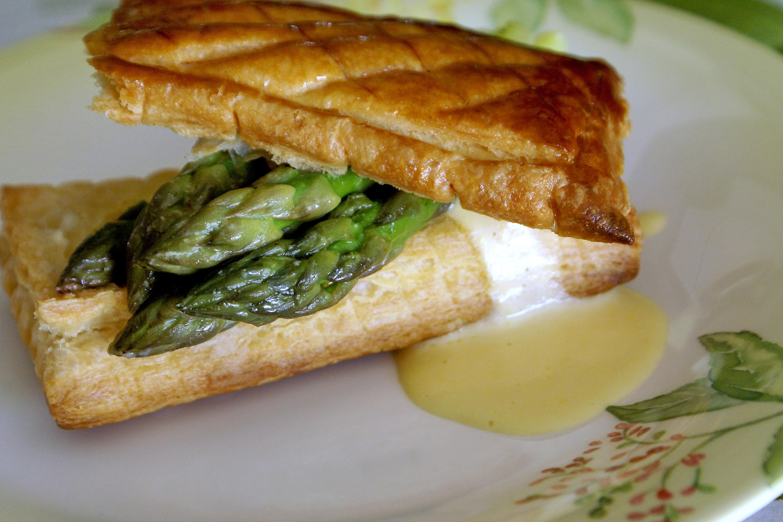 Feuillet s d 39 asperges vertes sauce mousseline recette de - Cuisiner les asperges vertes ...