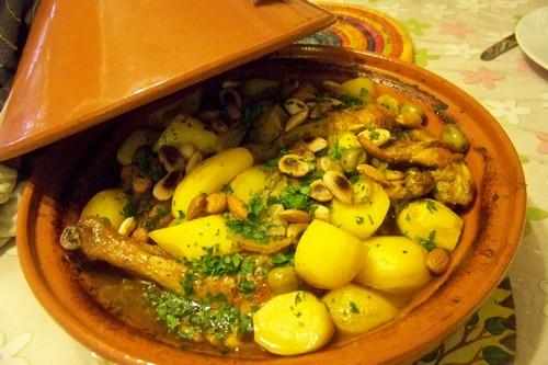 tajine de poulet au safran citrons confits et olives vertes par cuisine en folie. Black Bedroom Furniture Sets. Home Design Ideas