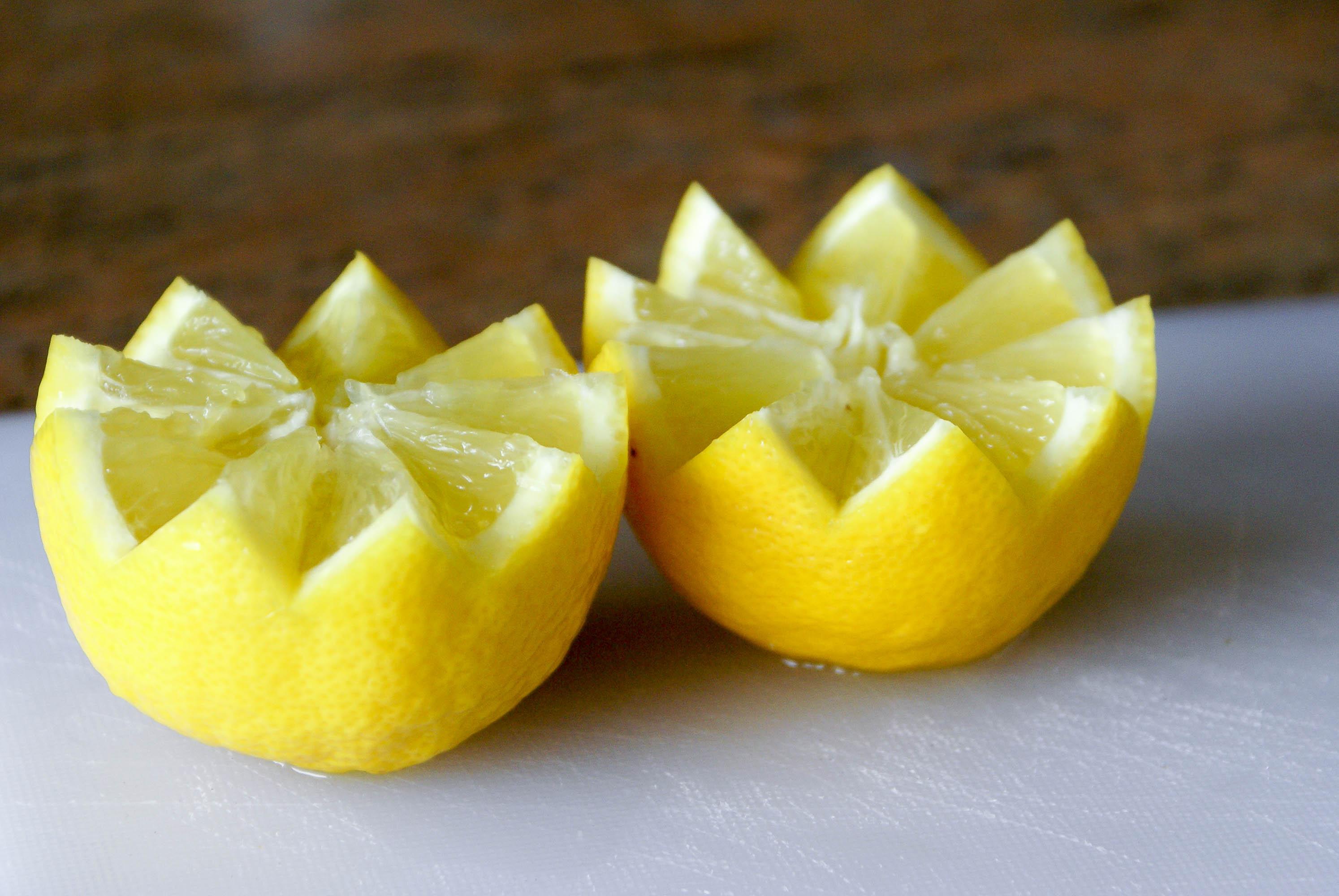 historier un citron d couper un citron en dents de loup par chef simon. Black Bedroom Furniture Sets. Home Design Ideas