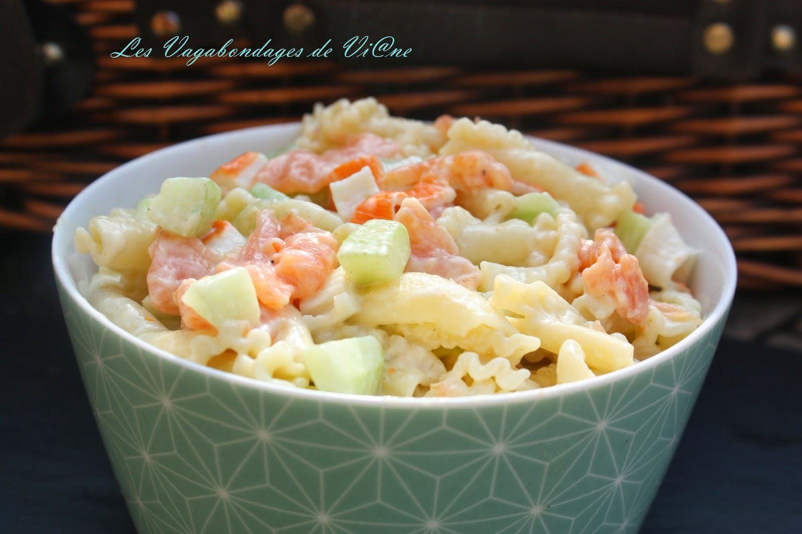 salade de p tes saumon surimi concombre par les vagabondages de vi ne. Black Bedroom Furniture Sets. Home Design Ideas