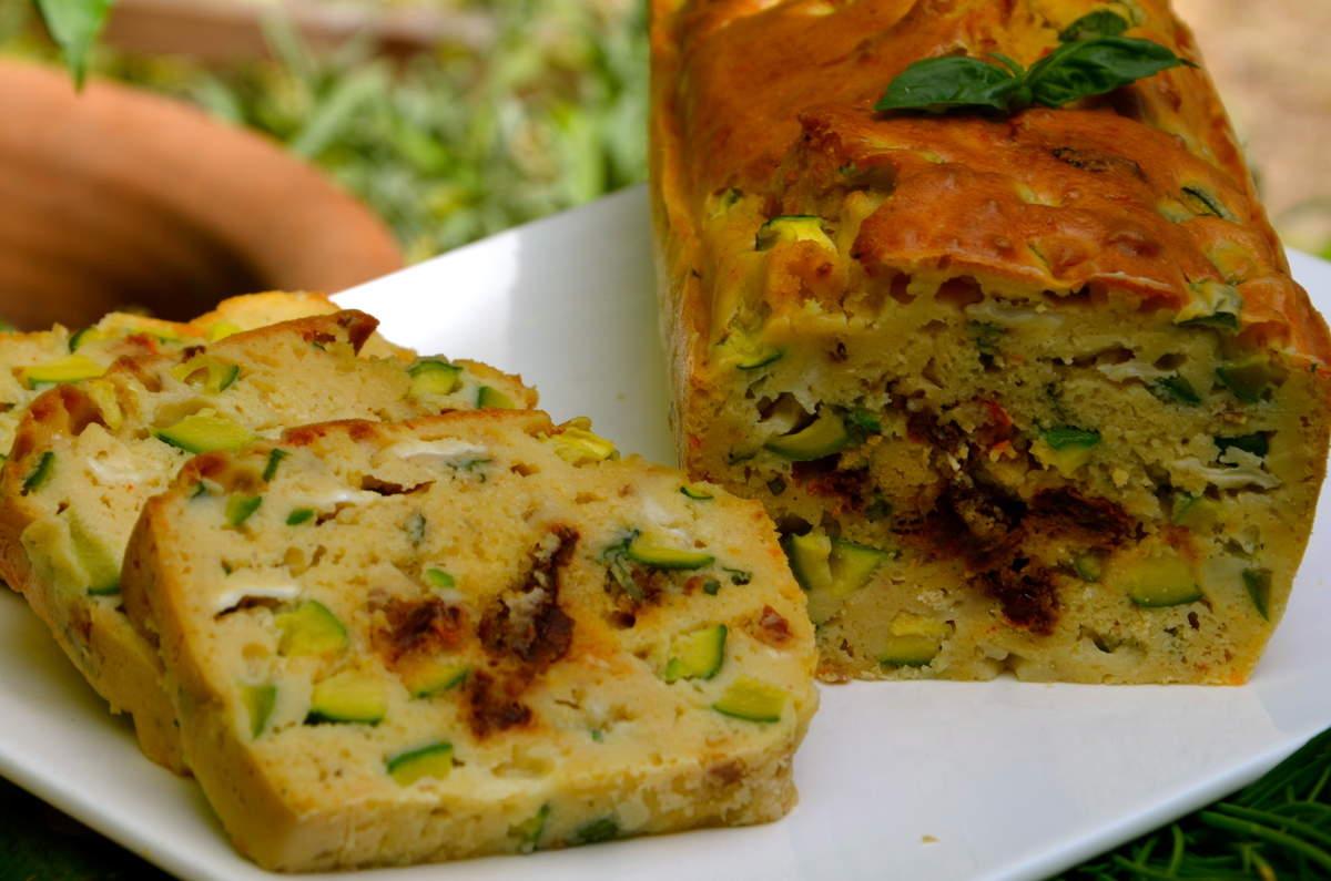 Cake courgettes tomates s ch es ch vre par la p 39 tite cuisine de pauline - Cuisiner les tomates sechees ...