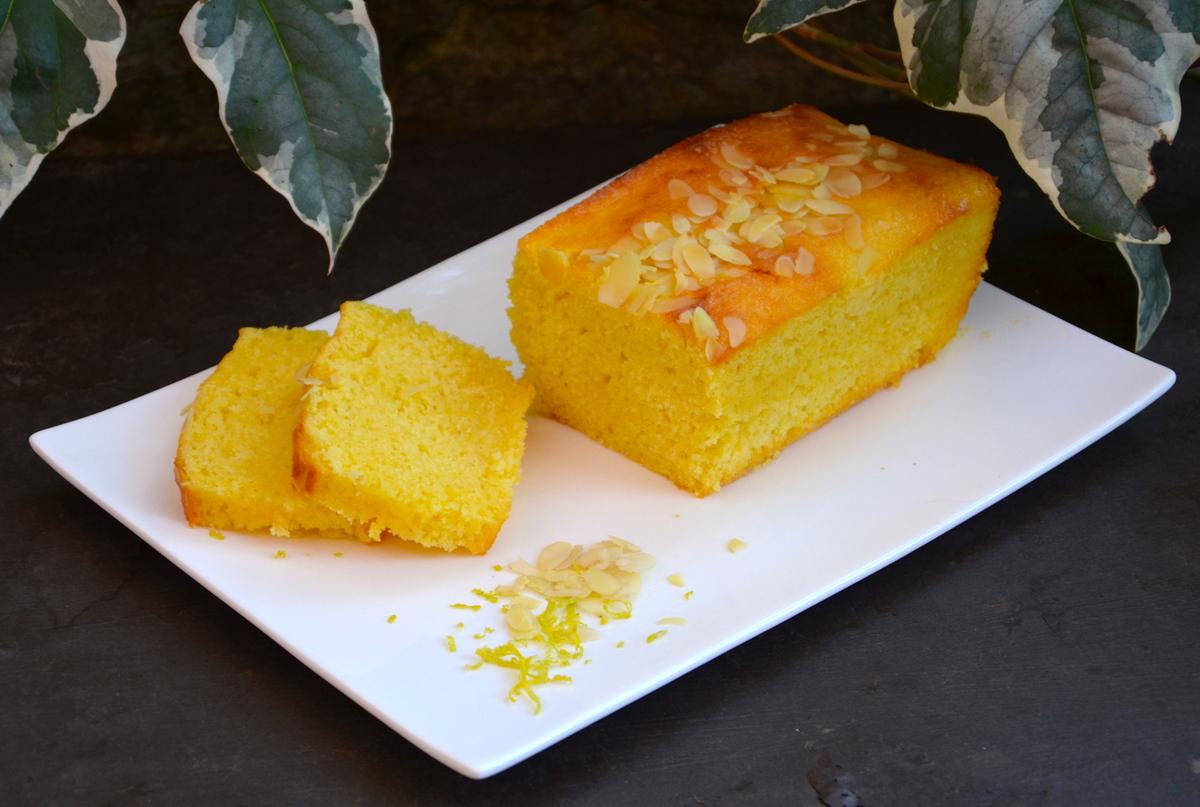 cake moelleux au citron et amandes par la p 39 tite cuisine. Black Bedroom Furniture Sets. Home Design Ideas