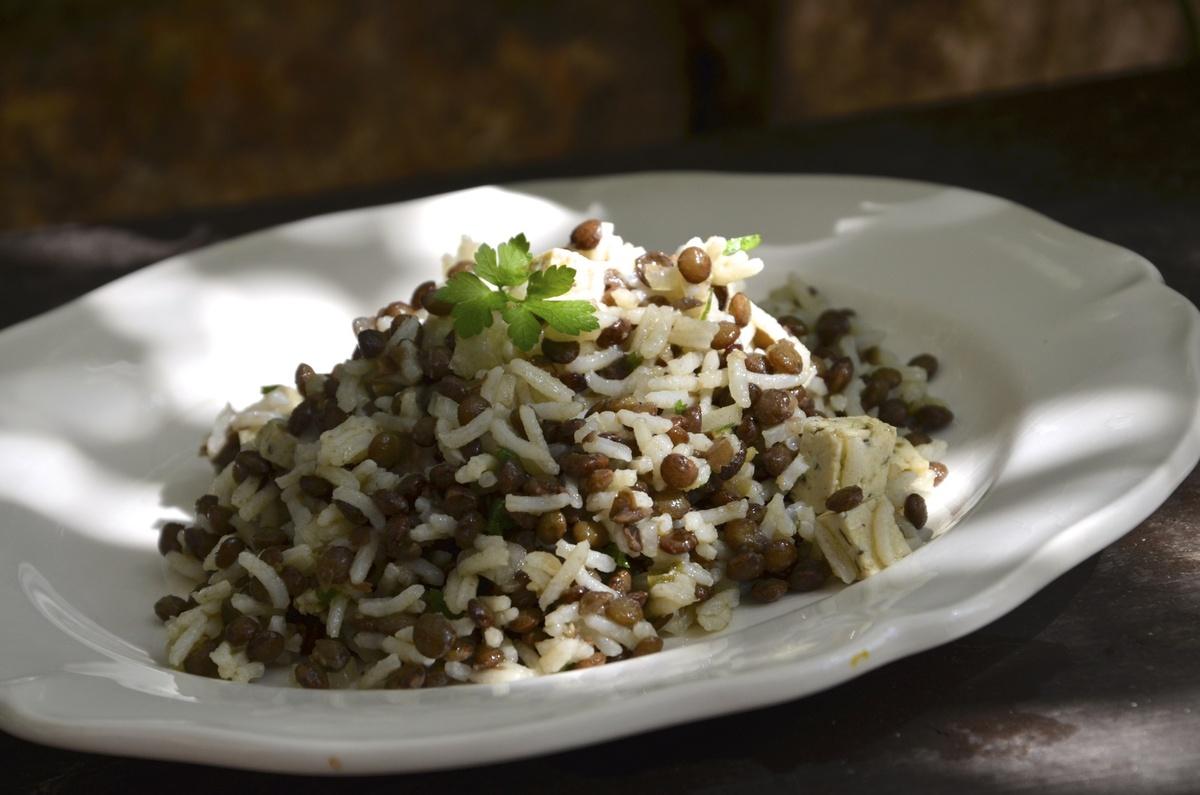 recettes de f culents par la p 39 tite cuisine de pauline salade de riz aux lentilles. Black Bedroom Furniture Sets. Home Design Ideas