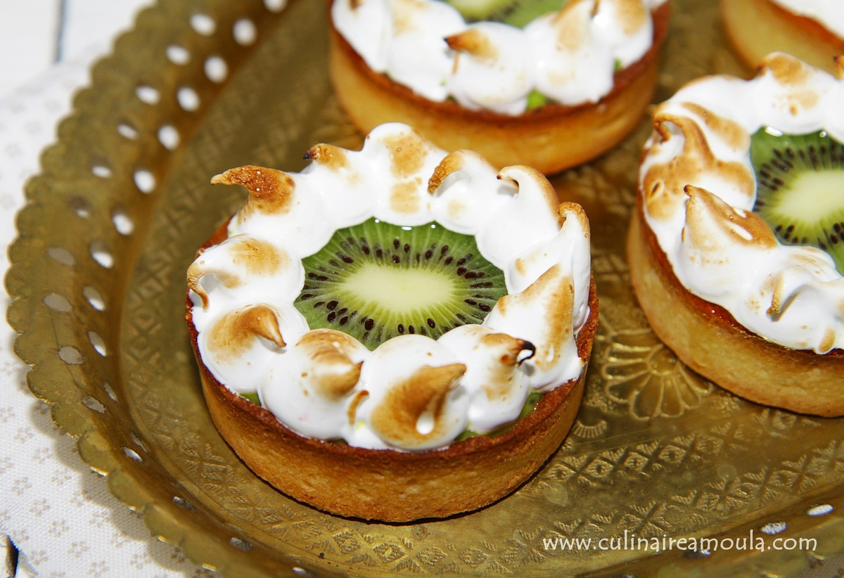tarte aux kiwis meringu e par culinaireamoula. Black Bedroom Furniture Sets. Home Design Ideas