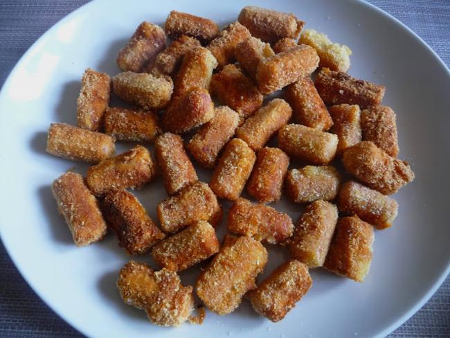 saucisses croustillantes pan es aux flocons de pommes de terre recette par luly cooker. Black Bedroom Furniture Sets. Home Design Ideas