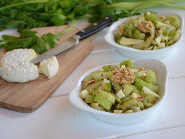 salade de c leri branche pomme ch vre et noix recette par flo au fil du thym. Black Bedroom Furniture Sets. Home Design Ideas