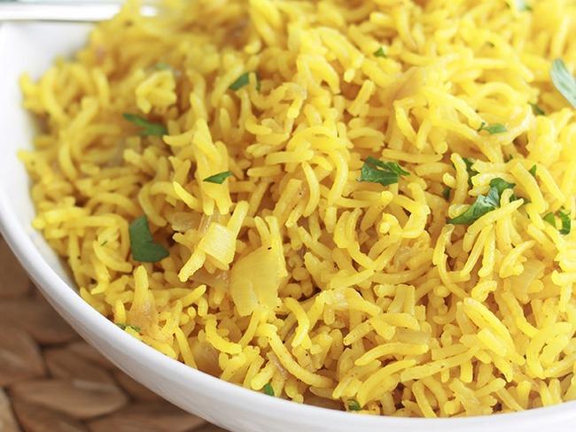 riz pilaf au curcuma un riz pic indien recette par cuisine culinaire. Black Bedroom Furniture Sets. Home Design Ideas