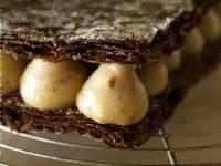 Millefeuille craquant au chocolat à la crème pralinée