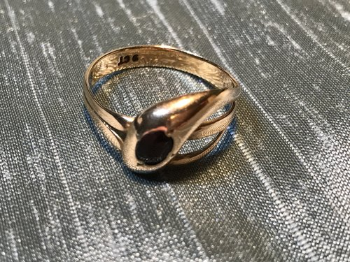 Antique 9ct Gold serpent ring with Garnet