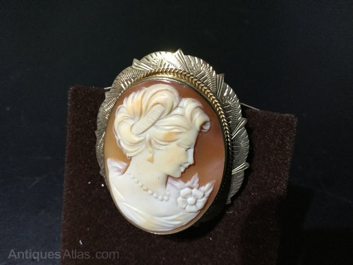 Beautiful Quality 9ct Gold Cameo Brooch/pendant