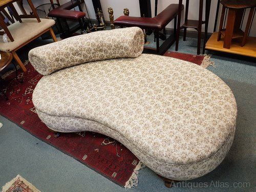 Quality Kidney Shaped Chaise Longue