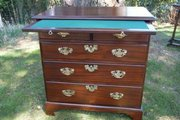 mahogany chest of drawers