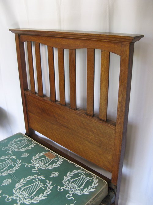 Ambrose heal arts and crafts bed in oak antiques atlas for Arts and crafts beds