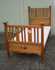 Arts and crafts single bed wit