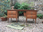 Victorian large pitch pine des