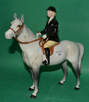 Beswick Hunstwoman Model No 17