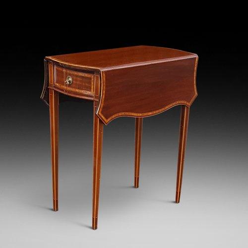 Edwardian Mahogany Inlaid Pembroke Table