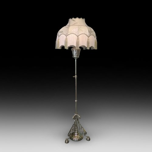 Victorian Brass Extending Standard Lamp