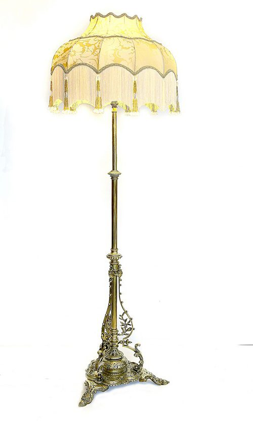 late victorian brass extending standard lamp with arabesque plinth. Black Bedroom Furniture Sets. Home Design Ideas