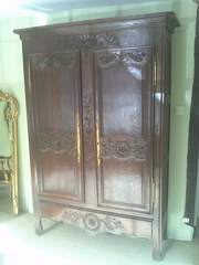 FRENCH OAK ARMOIRE circa 1800
