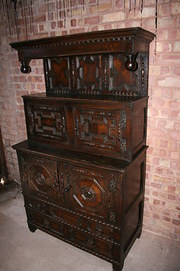 JACOBEAN WELSH OAK TRIDARN CIRCA 1680