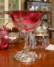 A Cranberry Glass Table Centre