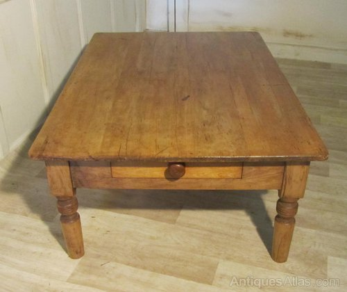 19th french pine farmhouse coffee table antiques atlas for Pine farmhouse coffee table