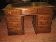 Victorian Oak Kneehole Desk