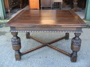Antique style oak draw leaf ta
