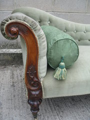Victorian walnut framed chaise