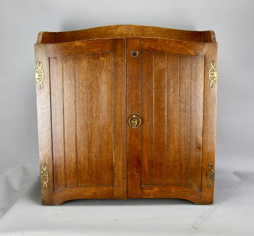 Arts and Crafts Oak Stationery Cabinet c1900
