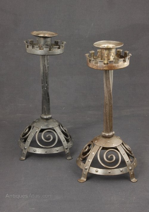 Goberg Arts & Crafts Steel Medieval Candle Sticks