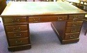 Mahogany box top pedestal desk