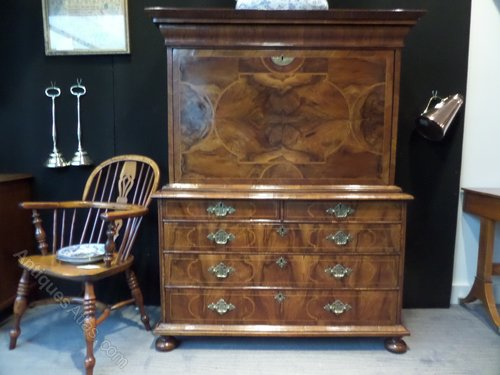 17thc Walnut Desk/Escretoire c1690 rare