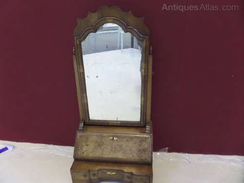 18thc Walnut bureau toilet mirror c1760
