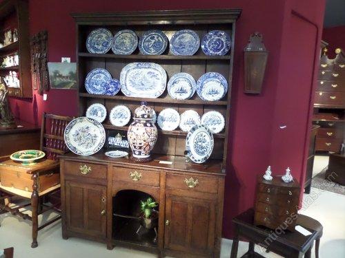 Antique oak dog kennel dresser and rack c1800
