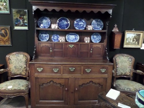 """Ex Rare Tiny oak Llanwrst Dresser c1730 54""""l"""