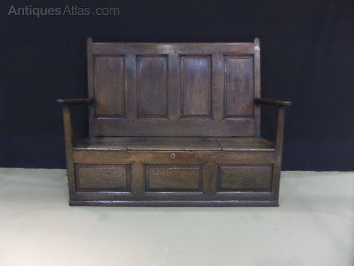Rare 18thc oak/elm box settle c1770