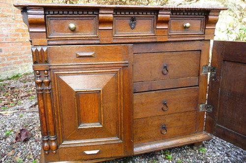 Rare Jacobean oak closed chest c1660