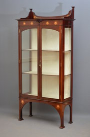 Stylish Art Nouveau Display Ca