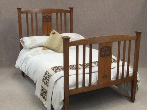 Arts and crafts oak bed antiques atlas for Arts and crafts beds
