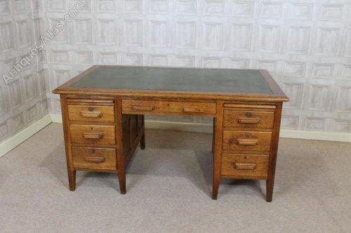 Solid Oak Office Desk 1930s - Antiques Atlas